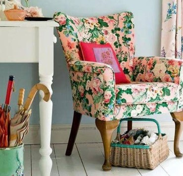 Printed accent chairs are the cutest! Especially for a flat or home! These decorative staples will really take a bland room to another level!