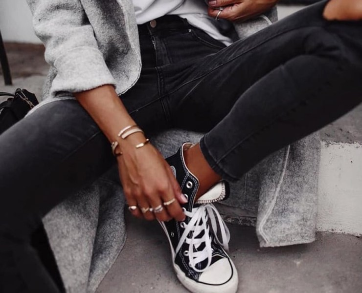 Are you in need of some trendy popular sneakers for the upcoming summer travel season? From ultra sporty to low-key casual trainers, we've rounded up the best sneakers on the market.