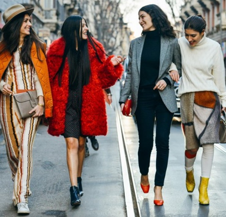 Are you looking for spring fashion colours to fill your wardrobe with? We've rounded up the spring style hues for the season. From red to orange to chocolate, there are many warm tones but also classic neutrals!