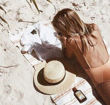 To prepare for the warm summer months, we've rounded up the best drugstore tanning lotions out there. Found at most drugstore retailers for an affordable price, you will not be disappointed.