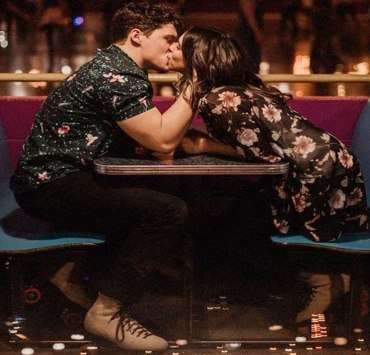 Everyone hates the first date, they are awkward, expensive, and half the time they end up seeming like a chore. Don't worry though we have you covered we 15 things to do on a first date.