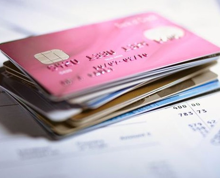 Looking for the best credit cards for students? These are the top cards you can apply for with no credit or even bad credit, and not get denied! Whether you're an international student or based in the UK, these credit cards are the ones to use.