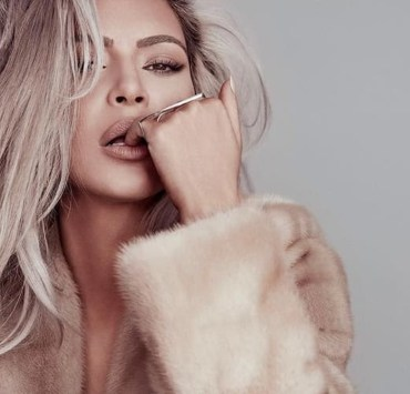 Know how to contour and highlight like the Kardashian family by following these simple steps with these optimum beauty products!