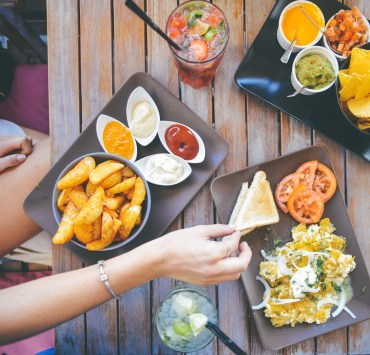 These incredible food places in Stratford are to die for. Give your tastebuds a treat the next time you're in the area by checking them out!
