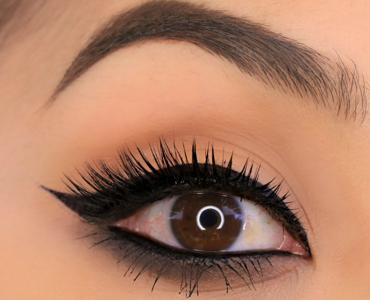 Getting perfectly winged eyeliner can be difficult, but we have some tips for you that will make applying it so much easier!