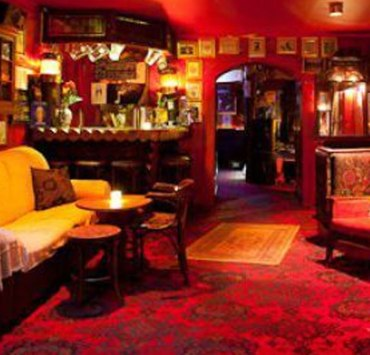 These are some bars in Liverpool taht you just need to visit! These bars are very popular and tons of fun with your family or friends!