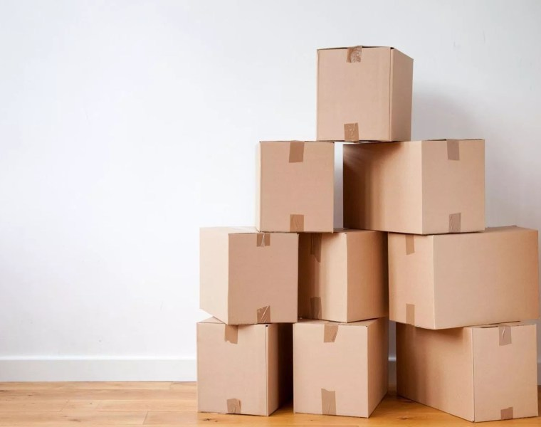 Having a moving checklist can really help make your moving process to uni easier as a first year student! Here are all the things you'll need!