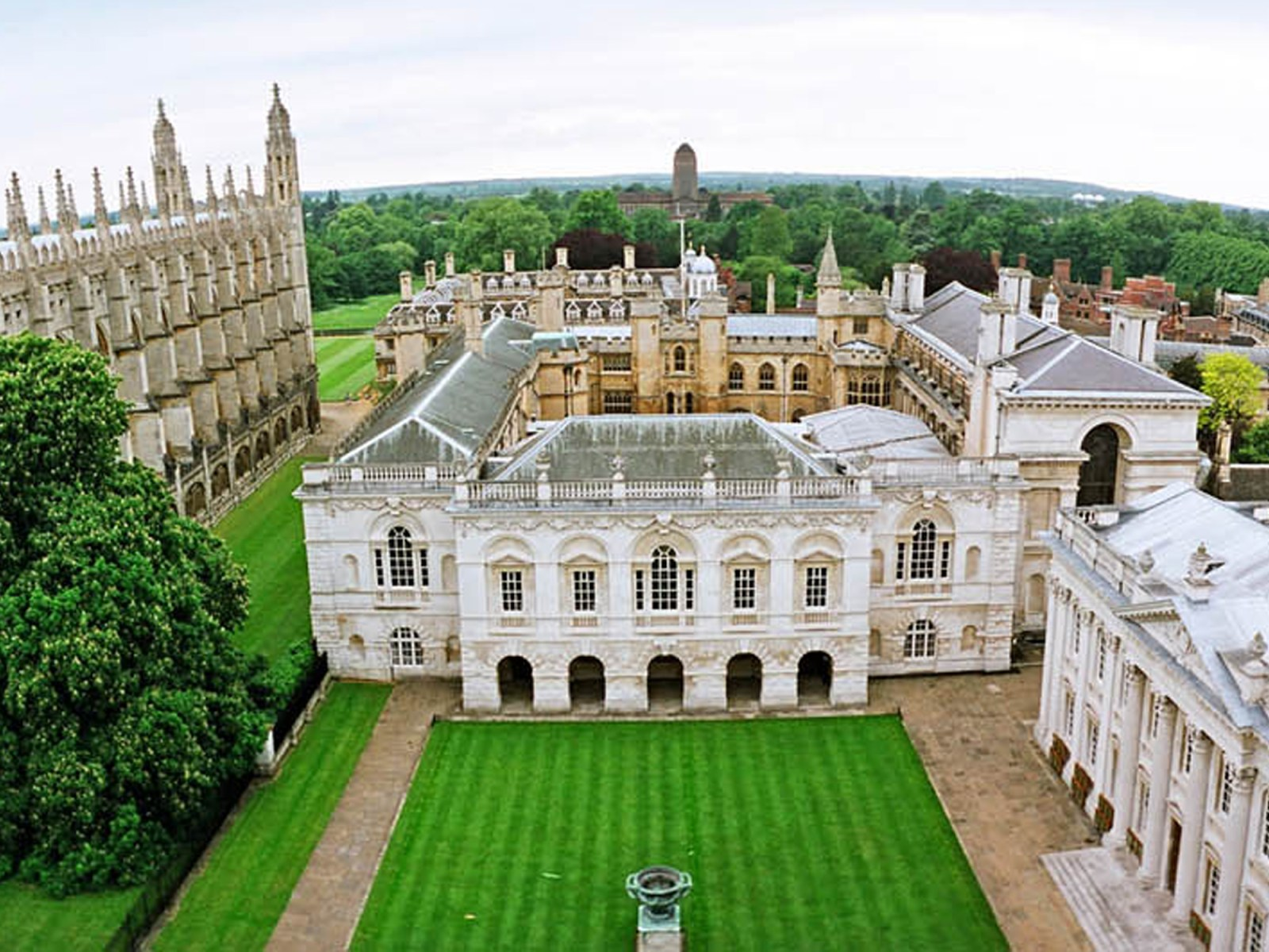King's College London is just one of the many large schools that is known to have a low student statisfaction rating. Here's why.