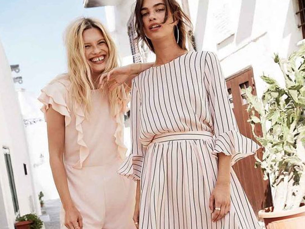 Here are the top scandinavian brands that are trending that you just have to try. This style will give you the Scandinavian look your looking for.