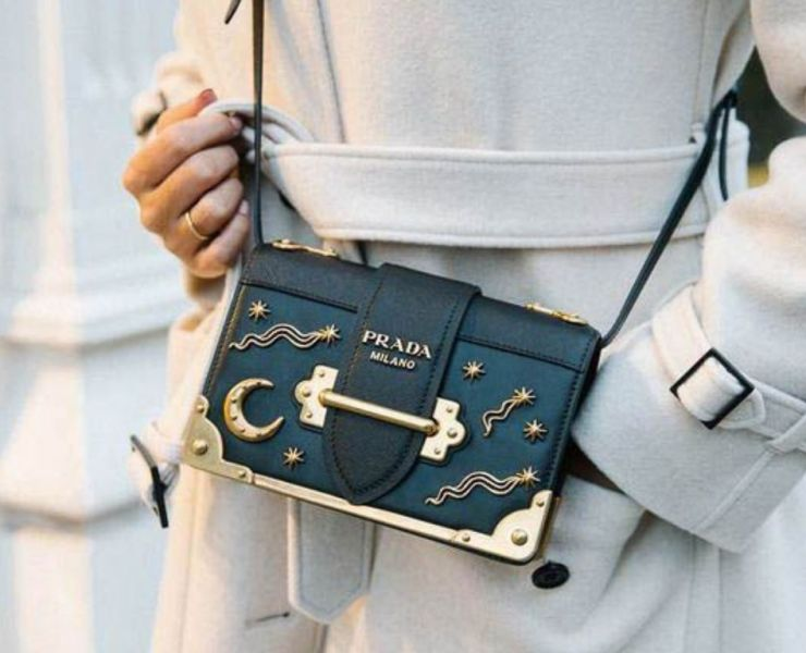 The cross body bag is the ultimate fashion accessory for days and nights out! Here is a list of the 10 perfect occasions for a cross body bag!