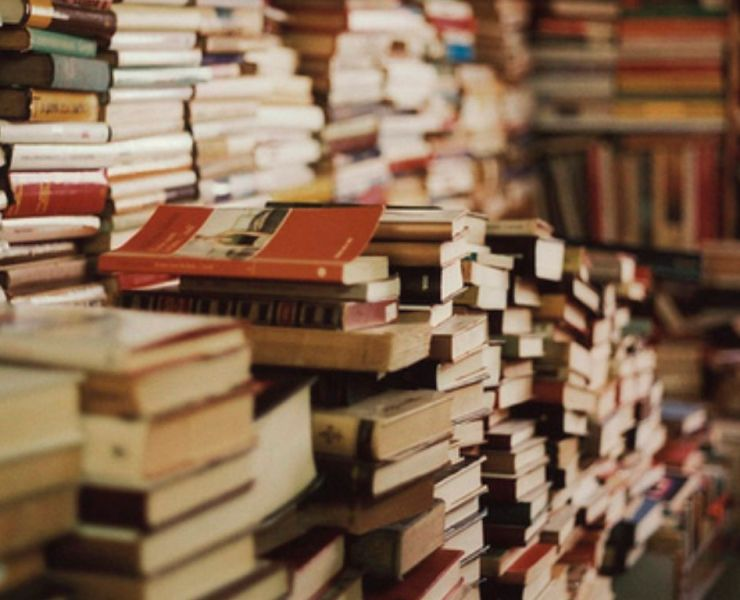 10 Book Related Instagrams You Should Follow Right Now