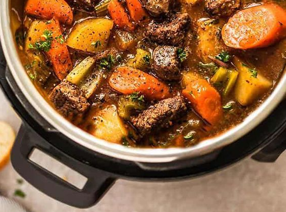 Summer slow cooker recipes may not be the first thing you will want to look up when it is sweating butts hot outside, they do not need to be hefty.