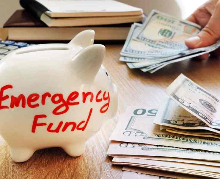 Being a student can be difficult especially when it comes to money. So here are my top reasons why every student should have an emergency fund!