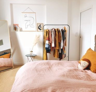Moving out of student housing can be stressful because living in your own place is very different than living in the dorms. Here are some tips to help you!