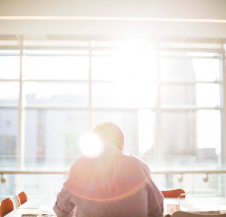 The world is work isn't always easy, but it is even more difficult if you're doing a job you hate! Here are 7 reasons why you should leave your job.