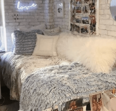 Transforming your uni dorm room into the ultimate home away from home has never been easier with these 6 must-have decor pieces!