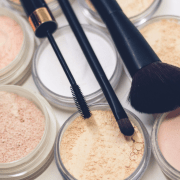 There are some fantastic drugstore brands out there, just waiting to be tried and tested by you! Here are 6 Best Drugstore Makeup Brands You Need to Try!