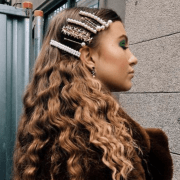 Hair clips are the perfect beauty accessory that you need to add to your outfits! From stars to shells, here are 15 cute clips you need for your hair now!