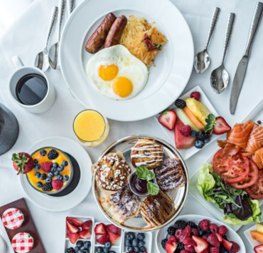 In need of some new, yummy breakfast recipes? Look no further than our list of 10 delicious and healthy breakfasts that will help wake you up!