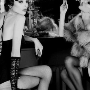 We chose 5 luxury sexy brands that glorify women, to make them desirable and mischievous, without neglecting an essential notion of comfort.