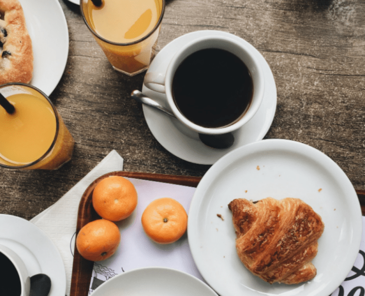 When you're a busy person, breakfast in the mornings are a thing of the past. Check out these quick and easy breakfast recipes for the busy bee!