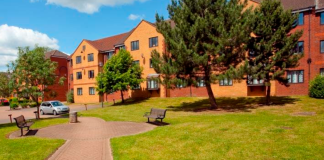 Even though at Coventry University we're lucky to be a city campus and all the accommodations are close-by, it is still a difficult decision where to live.