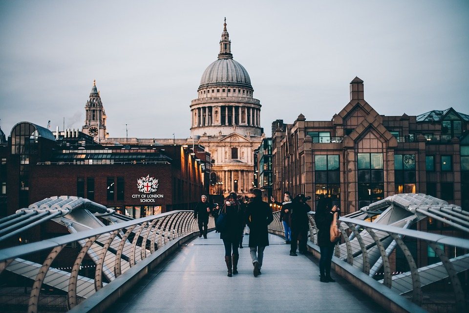 Different And Memorable Dates In London
