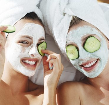 Sometimes it can be hard to pick some good face masks, hence why we've made things easy for you. Check out our list of the top face masks now!