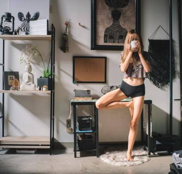 Too broke for a gym membership you probably won't use? Feeling unmotivated by IG fitness pages? Don't worry: this is the ultimate lazy workout routine.