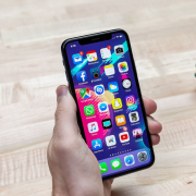 With so many apps available online, it can be tough finding the right essentials for you. Hopefully this list of 10 apps for your phone helps you!