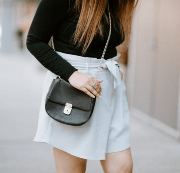 Are you not a fan of denim shorts but don't know what else you can wear during the summer holidays? This is a list of 5 alternatives that you can wear!