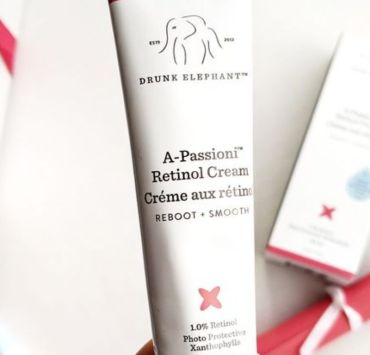 With so many products on the market you never know what's best for you. Retinol cream is what you need to try and here are 5 reasons why!