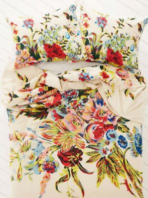 What You'll Need in Your First Appartment: Romantic Floral Scarf Duvet Cover
