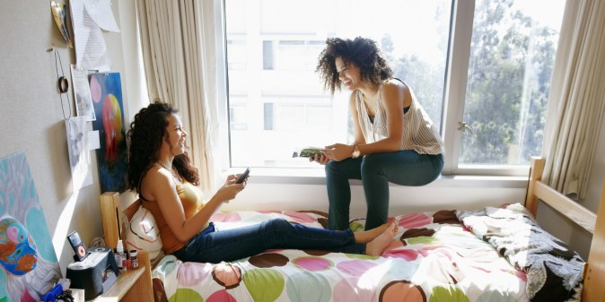 What to expect when you share a dorm with your best friend from high school