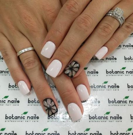 One of the main trends for this season is accent nail designs.