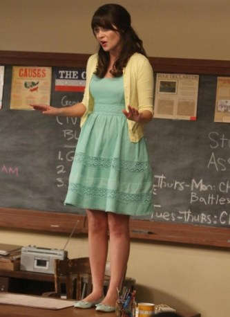 """NEW GIRL: Jess (Zooey Deschanel) gets a shot at a new teaching job in the """"Winston's Birthday"""" episode of NEW GIRL airing Tuesday, May 7 (9:00-9:30 PM ET/PT) on FOX. ©2013 Fox Broadcasting Co. Cr: Patrick McElhenney/FOX"""