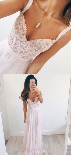 This formal dress is gorgeous!