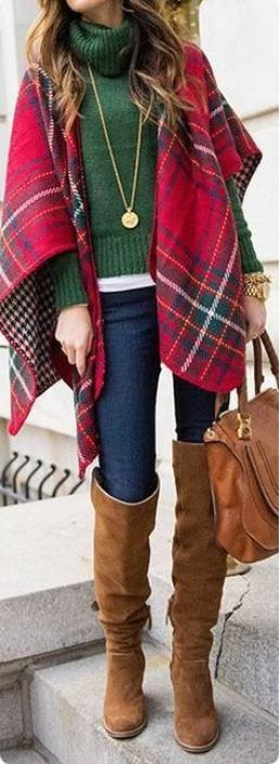 This cute blanket sweater is a perfect outfit for Thanksgiving!