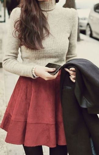 I love this casual holiday outfit or winter outfit with the turtleneck and suede skirt!