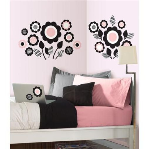6 tips to make your dorm room look bigger society19 - What colors make a room look bigger and brighter ...