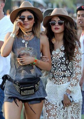 This music festival fashion is so cute!