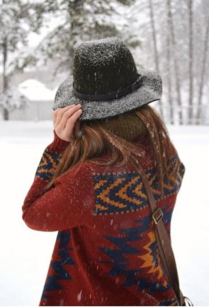 This winter hat is so cute!
