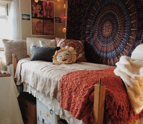 The college dorm room essentials you need!