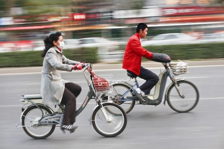 reasons to visit China - e-bikes!