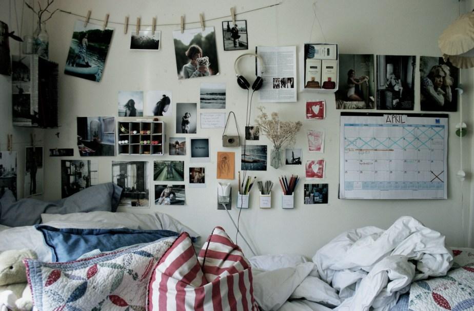 cool dorm set up