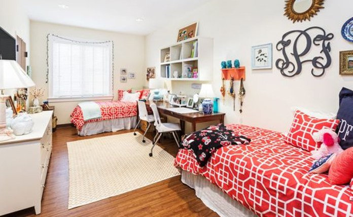 Your new college dorm room is now your home away from home. To make it feel like it, here are University of Tennessee dorm rooms for some inspiration!