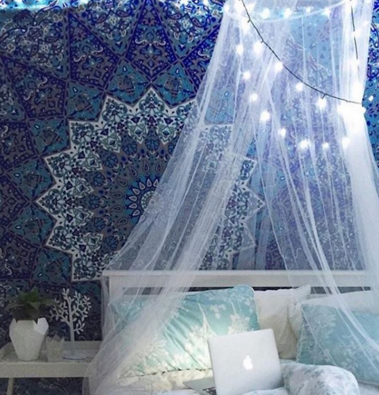 To make the most of it here are 8 DIY canopy ideas that you need to try this fall. & 8 DIY Canopies Perfect For Your Dorm - Society19