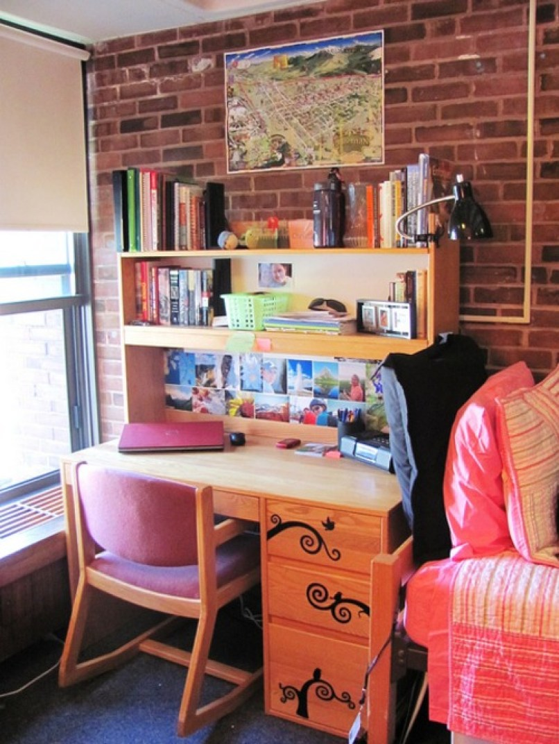 college move-in day hacks, 20 Hacks & Tips To Make College Move In Day A Breeze