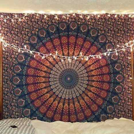 dorm wall decor, How To Decorate Your Dorm Walls Without Causing Damage