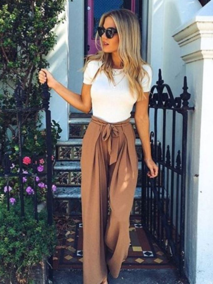 Trousers are a comfortable way to look dressy. A perfect part to your back to school outfits!